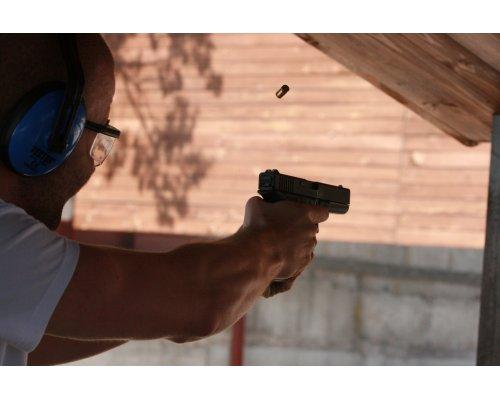 """Šaušana ar 3 kaujas ieročiem šautuvē """"Smaragdi"""""""
