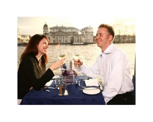 Classic Lunch Cruise on the Thames for Two