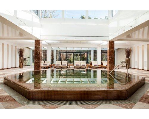 Nakšņošana viesnīcā un pirts komplekss